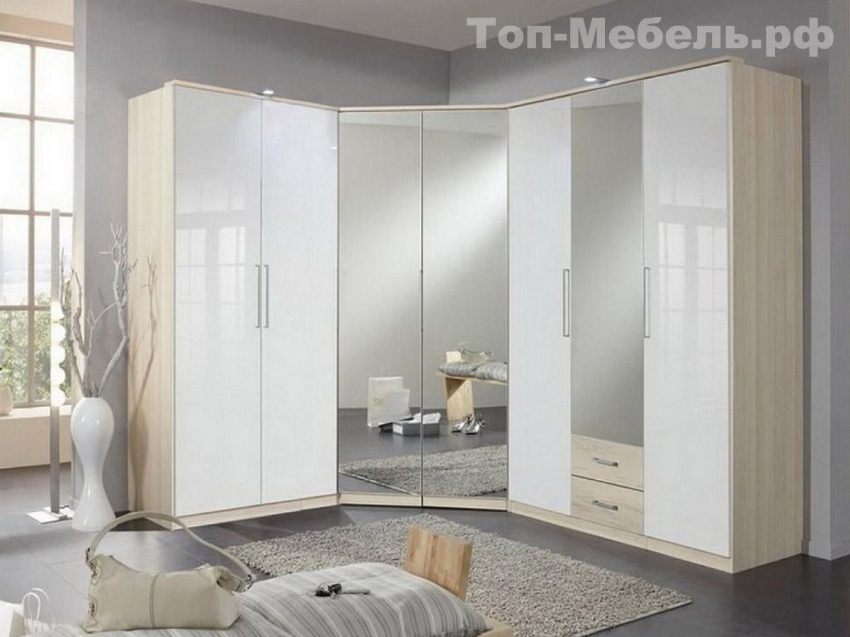 Распашной угловой шкаф с зеркалами
